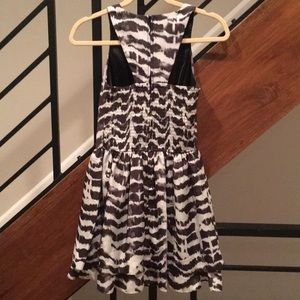 Guess Dresses - Guess black and white dress. Size 0.